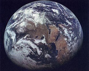 Zond 7 photo of the Earth while en route to the Moon image061.jpg